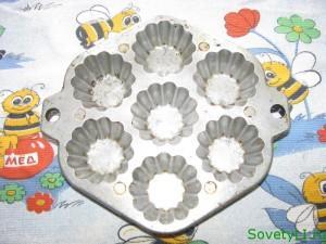 Пошаговое фото приготовления кексиков на кефире