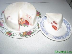 Рецепт десерта из сметаны и клубники