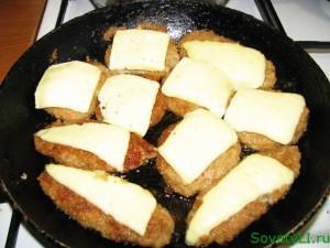 котлеты с сыром для чизбургера