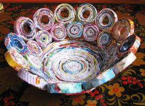 Изделия из бумажных трубочек, изготовление вазы 1