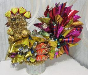 Петушок из конфет, подарки своими руками